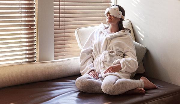 Eye Massager Woman 8